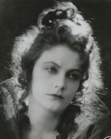 Eva Garbo Nude Photos 92