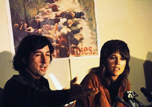 Jane Fonda y Tom Hayden en 1973