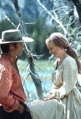 Jean Seberg y Clint Eastwood en Paint Your Wagon (1969)